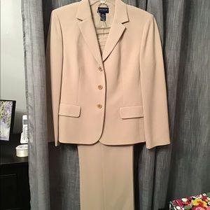 Ann Taylor Petite Pant Suit